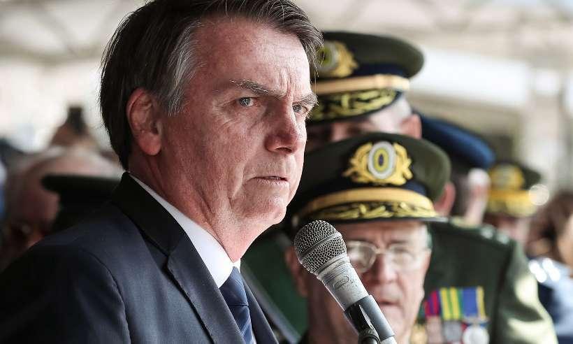 """Presidente Jair Bolsonaro disse que o jornalista Glenn """"talvez pegue uma cana aqui no Brasil""""."""