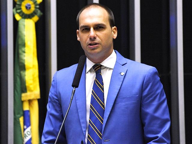 Deputado Eduardo Bolsonaro teria votado para derrubar quatro vetos do presidente Bolsonaro, seu pai, à lei de Abuso de Autoridade. Foto - Câmara dos Deputados