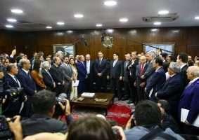 Presidente Bolsonaro entrega pacote medidas fiscais e do pacto federativo ao Congresso; se aprovado como está, Minas pode perder mais de 200 municípios. Foto - Agência Brasil
