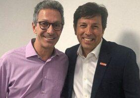 Governador Romeu Zema (esq.) presidente do partido NOVO, João Amoêdo, que defendem a privatização da Cemig. Foto - Reprodução/Site Partido NOVO