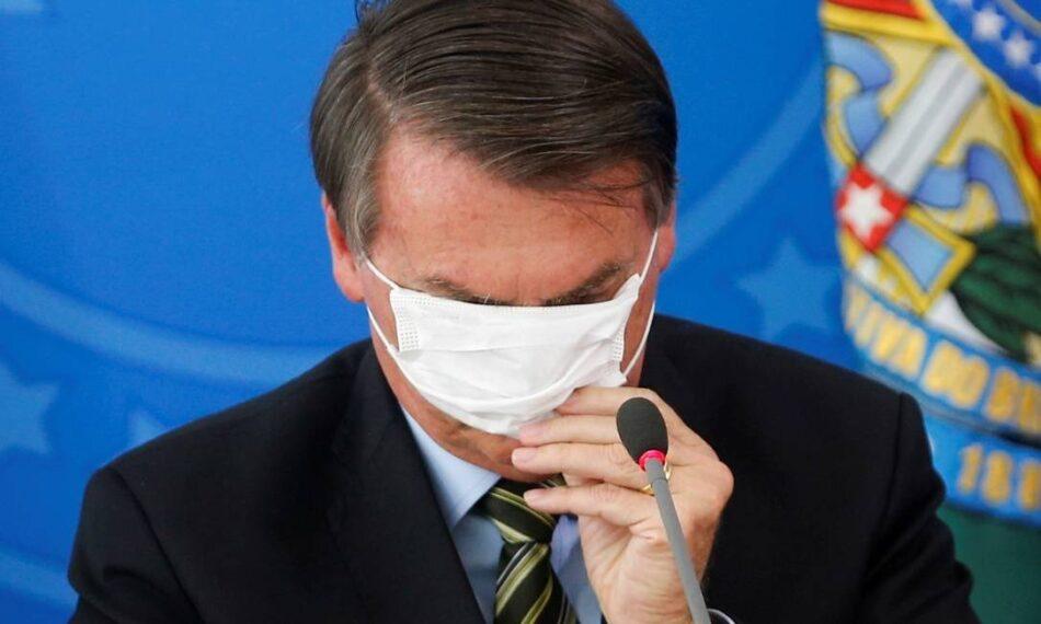 Presidente da República é contra isolamento social e uso de máscara para conter Covid-19.