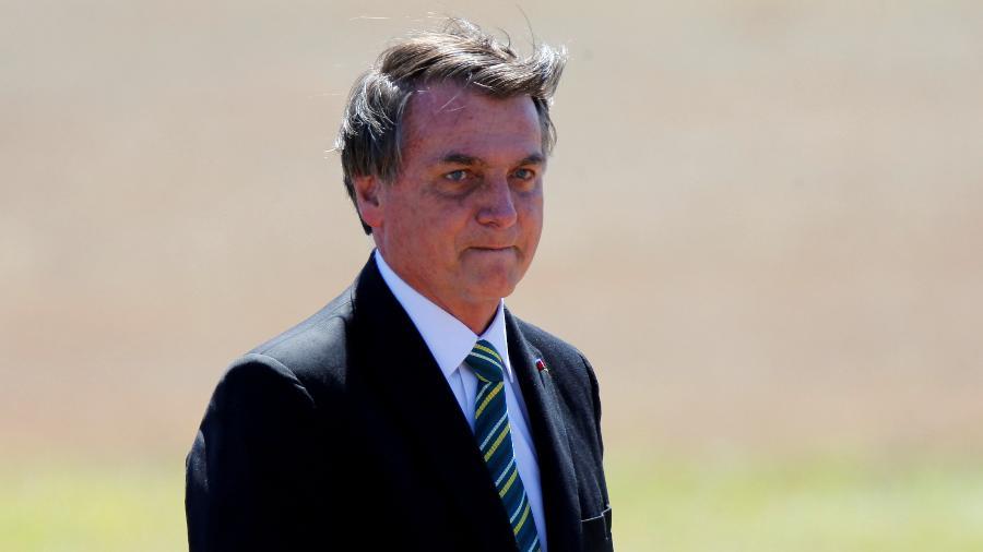 Presidente Jair Bolsonaro desautoriza ministro da Saúde e diz que Brasil não comprará vacina chinesa contra Covid-19