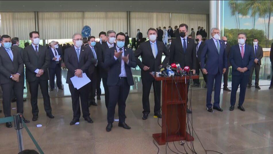 Presidente Jair Bolsonaro, ao anunciar criação de comitê para enfrentar a Covid-19 . Foto - reprodução